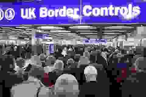 """Anh: Sinh viên nước ngoài là """"Tương lai thịnh vượng của quốc gia"""""""