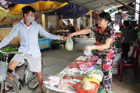 Chợ bị phá đột ngột, gần 100 tiểu thương hoang mang