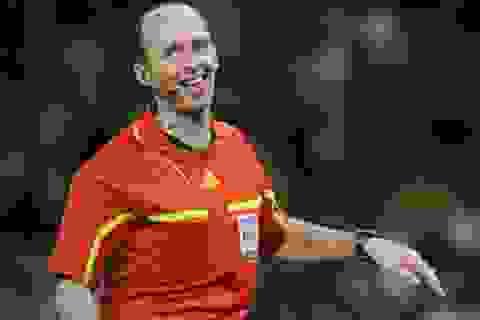 "Trọng tài ""tai tiếng"" Mike Dean cầm còi trận MU gặp Arsenal"