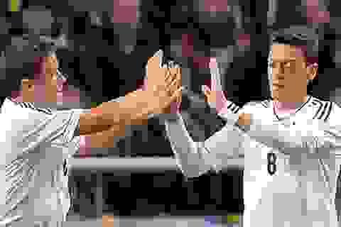 Hung tin cho Arsenal: Mesut Ozil chấn thương!