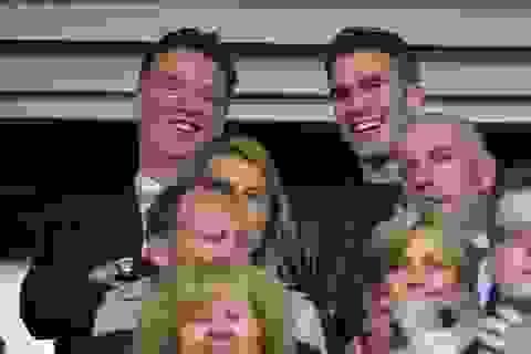 """Van Gaal """"đá"""" Rooney, chọn Van Persie làm đội trưởng"""