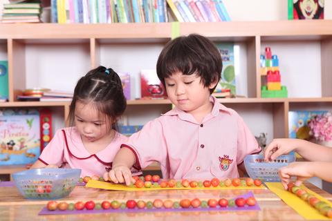 Giáo dục đầu đời: Học lý thú, chơi bổ ích