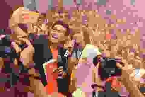 Khởi My, Noo Phước Thịnh, Đông Nhi: Bắc tiến để YOLO selfie