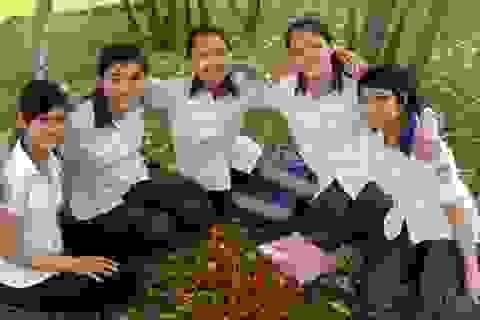 4 nữ thủ khoa học cùng một lớp