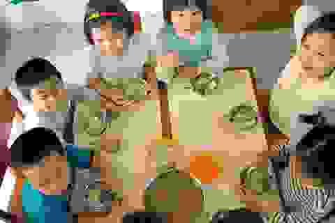 Bữa ăn bán trú: Đừng để lợi ích cá nhân bóp miệng trẻ