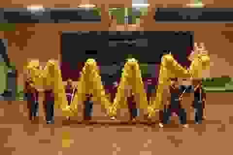 Các Sư ni Drukpa múa võ cổ truyền Việt Nam