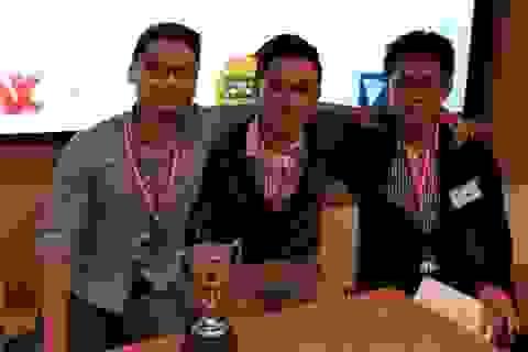 Đội DNST giành giải nhất cuộc thi đầu tư ảo tại Anh