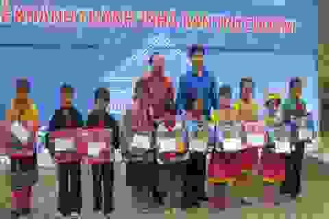 Khánh thành nhà bán trú cho học sinh tiểu học Khâu Vai