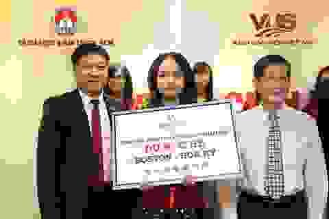 Chung kết IELTS Challenge: Nữ sinh 17 tuổi đoạt ngôi Quán quân