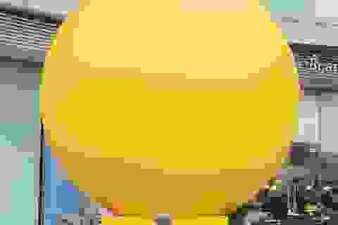 """Khám phá quả bóng vàng khổng lồ khiến giới trẻ Sài Thành """"sốt điên đảo"""""""