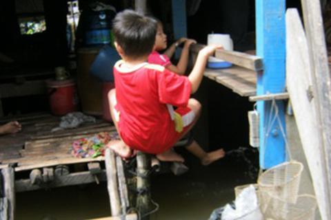 Hỗ trợ 1 triệu đồng/tháng cho cô giáo chăm trẻ vùng lũ