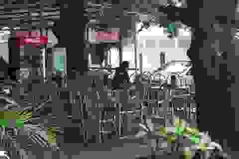 """Phong tỏa đường lên núi Cấm: Hàng quán ế ẩm, xe ôm """"đói"""" khách"""