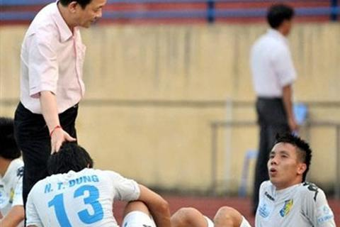 VFF-VPF quyết dẹp bỏ tình trạng ông chủ sở hữu 2 đội bóng