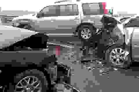 Tạm giữ 3 ô tô trong vụ tai nạn liên hoàn trên cầu Thăng Long