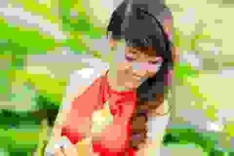 Lựa chọn trang phục nào để tỏa sáng bên hoa sen?