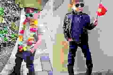 """Cậu bé 5 tuổi trở thành """"biểu tượng thời trang"""" sành điệu"""