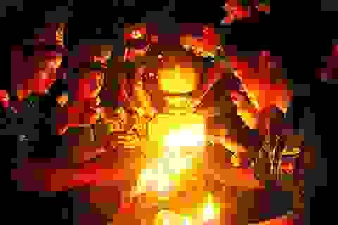 Hơn 1.000 bạn trẻ Hà Nội đội mưa thắp nến tri ân anh hùng liệt sỹ