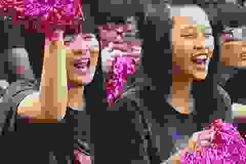 Nữ sinh trường Bưởi đầy sức sống với quần đùi áo số