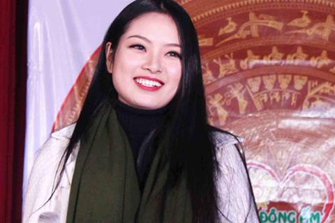 Hoa hậu Ngọc Anh xinh tươi trong đêm nhạc từ thiện