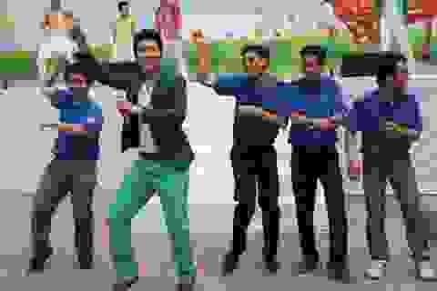 Nhảy Gangnam Style, cam kết làm việc nhà giúp mẹ