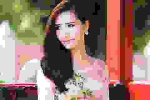 NTK Tommy Nguyễn và BST áo dài Hoa xuân