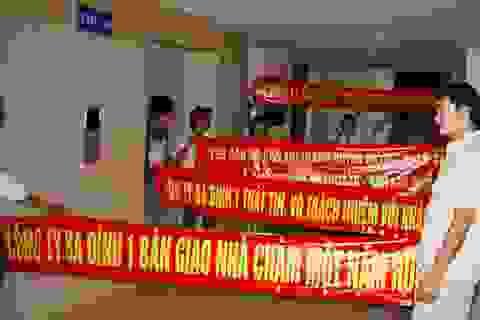 """Cư dân """"sống chung"""" với nguy cơ hỏa hoạn ở chung cư CT5 Văn Khê"""