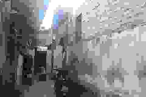 Thanh tra xây dựng yêu cầu dỡ bỏ công trình vi phạm ở phường Phú Thượng