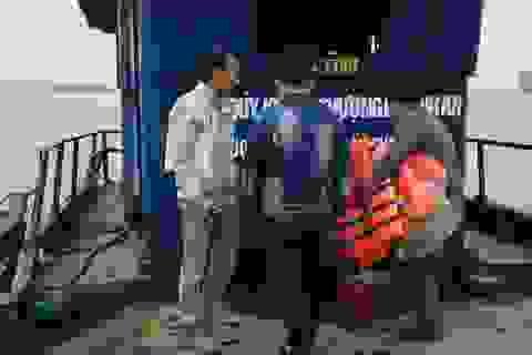 """""""Phớt lờ"""" cảnh báo, Sở GTVT Hà Nội tái cấp phép cho bến đò vi phạm"""