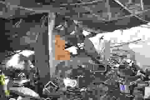 Xưởng gỗ rộng hơn 1.000 m2 bùng cháy suốt 5 giờ