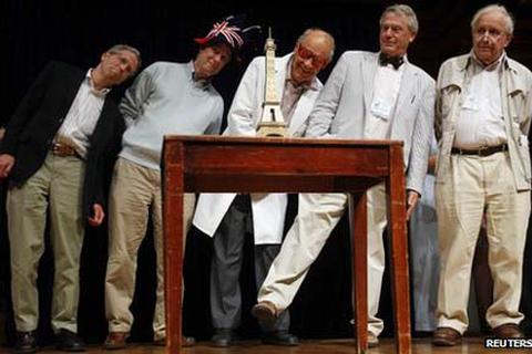"""Cười bể bụng với những nghiên cứu đoạt giải """"Nobel hài hước"""""""