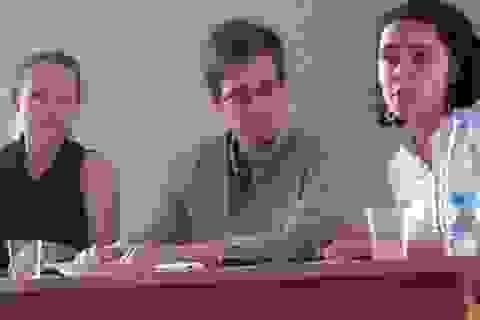 Cựu điệp viên CIA Snowden lộ diện, tiếp tục xin tị nạn tại Nga