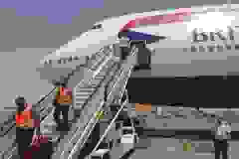 Hành khách khiếp vía vì máy bay 2 lần hạ cánh khẩn cấp