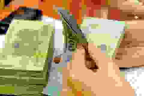 Thu nhập khủng của sếp: Phần thưởng và nỗi bức xúc