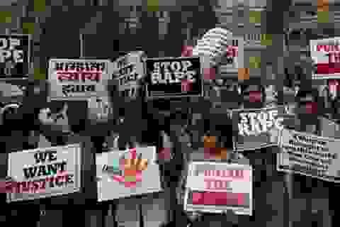 Ấn Độ: Bé 4 tuổi bị hãm hiếp trên xe buýt
