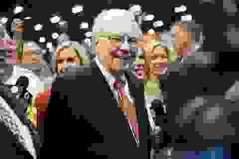"""Tỷ phú Buffett và những lời đồn quanh """"núi"""" tiền mặt 40 tỷ USD"""
