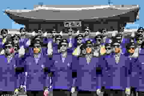 """Hàn Quốc ra mắt cảnh sát phong cách """"Gangnam Style"""""""