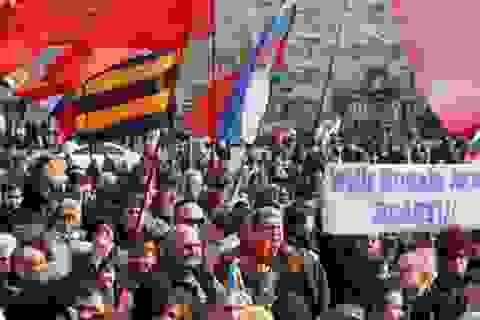 Phong trào đòi gia nhập Nga giống Crimea lan rộng ở đông Ukraine