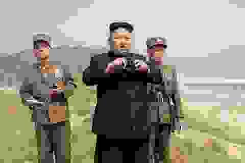 Lãnh đạo Triều Tiên thị sát một loạt cuộc tập trận quân sự