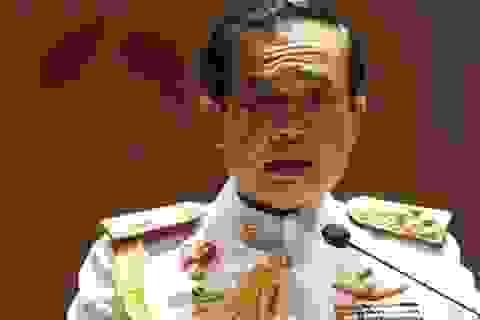 Tướng Thái Lan lãnh đạo đảo chính được nhà vua phê chuẩn
