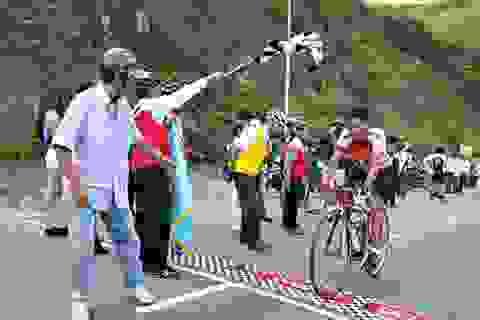 Hơn 200 cua rơ chinh phục đỉnh Sơn Trà khởi động Mùa du lịch biển