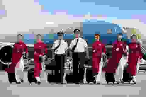 Vietnam Airlines đình chỉ bay 1 phi công, 4 tiếp viên
