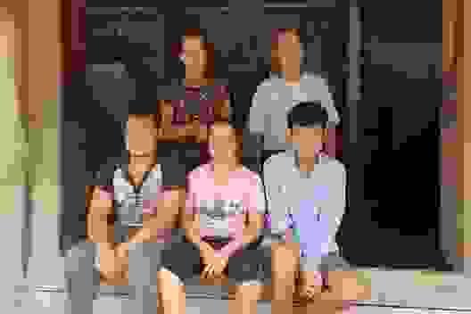 Thương người cựu binh lay lắt nuôi 3 đứa con cùng mang bệnh giống nhau