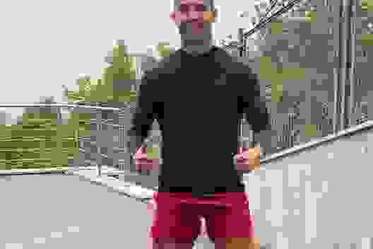 C.Ronaldo gây sốt khi cạo trọc đầu trong thời gian cách ly
