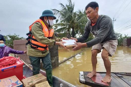 Bộ LĐ-TB&XH đề xuất bổ sung 6.500 tấn gạo tới 4 tỉnh miền Trung