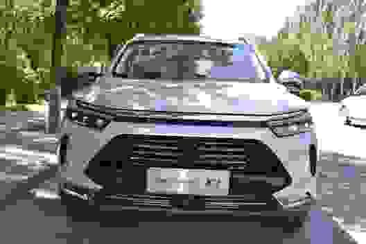 """Được tung hô khi về Việt Nam, ô tô Trung Quốc vẫn """"không có tuổi"""" ở quê nhà"""