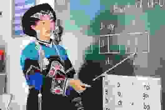 Cô giáo 9x ngày ngày gánh nước chăm học trò vùng cao thiếu thốn