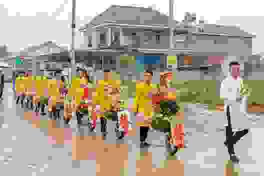 """Dàn xe """"cút kít"""" trong đám hỏi ở Thái Nguyên gây bão cộng đồng mạng"""