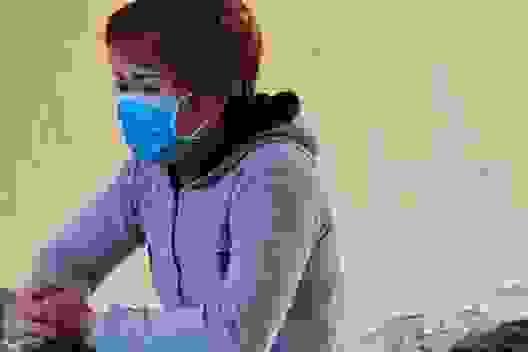 Nữ chủ quán bánh xèo: Nhân viên ăn vụng, ở bẩn... nên đánh để dạy dỗ (!?)