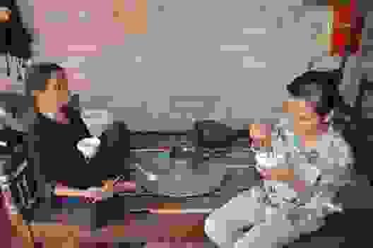 Thương hai người phụ nữ nghèo sống lay lắt, mơ một bữa cơm có thịt