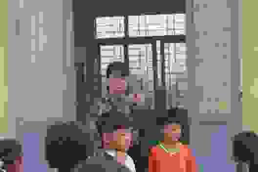 """Vàng Thị Chim -cô giáo đầu tiên đến dạy tại """"cụm dân cư 8 không"""" Đắk R'Măng"""
